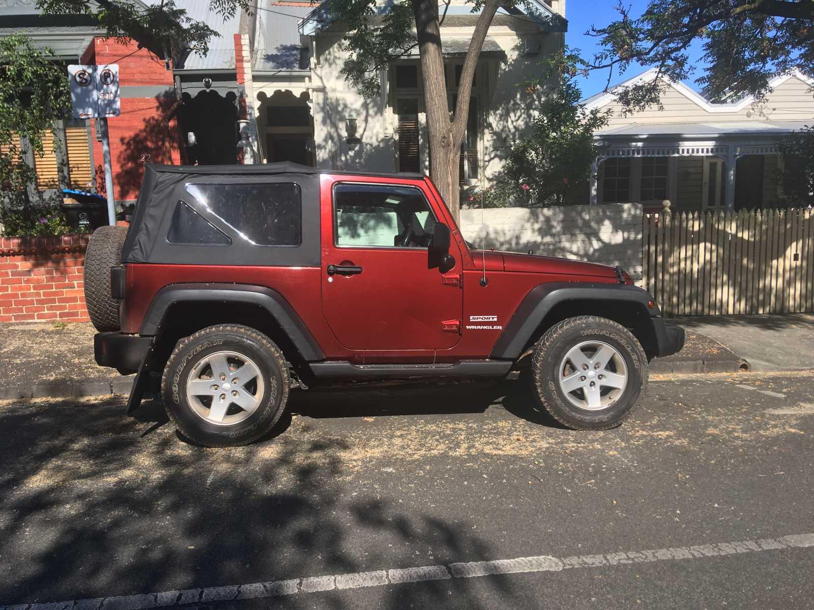 100 Jeep Wrangler 4 Door Maroon Quadratop